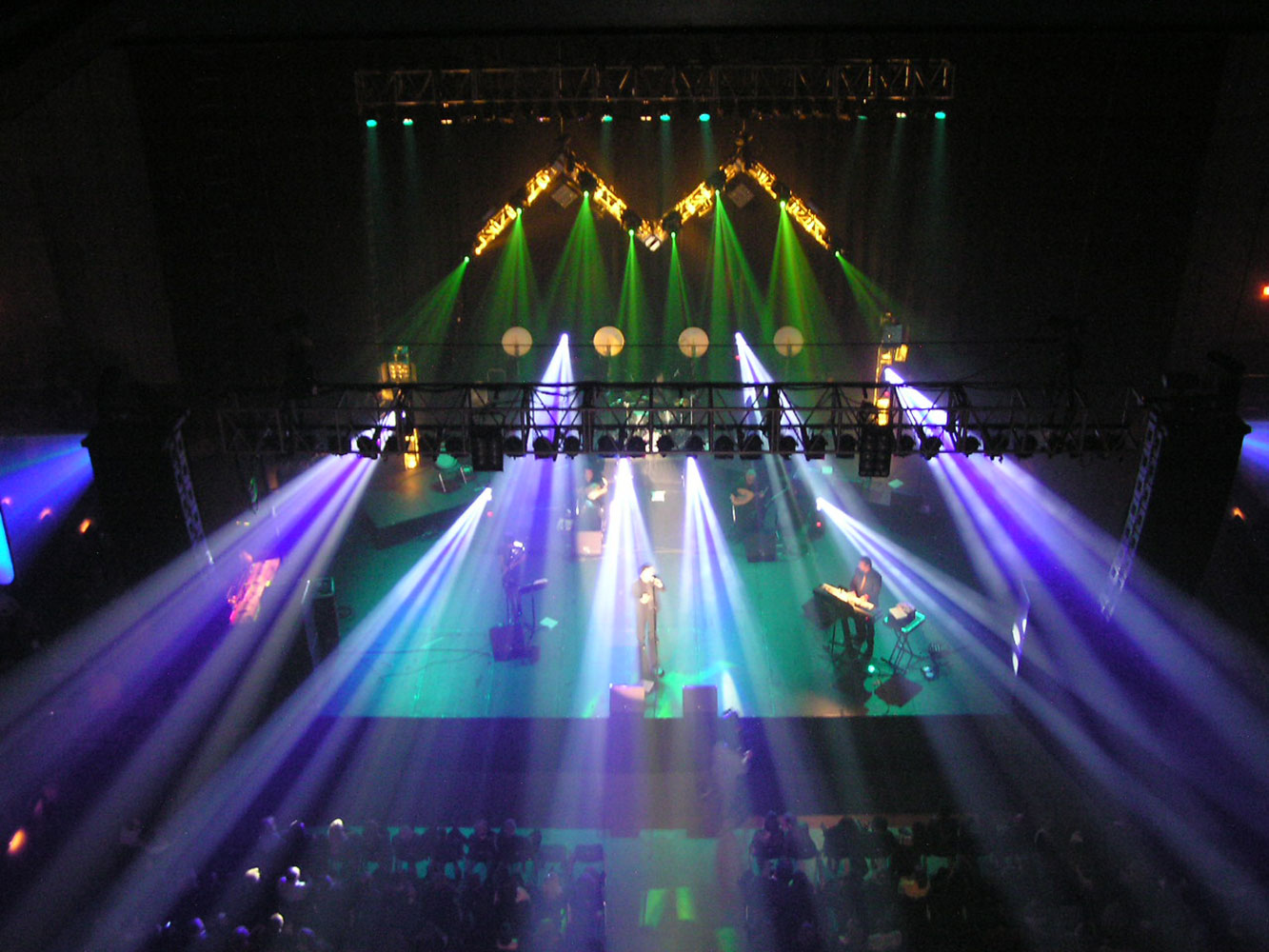 Mansour-&-Moen---Stage-Lighting
